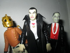 ReAction Cliff Secord Rocketeer 1092 (Brechtbug) Tags: show fiction cliff classic film wearing television monster dave gum movie toy toys 1 book flying tv 1930s comic action space character small 1938 helmet jet stevens science retro pack galaxy figure bubble scifi type series rocket spaceship kenner collectible universe creature figures saucer reaction jetpack rocketeer funko scaled the 2014 super7 secord rocketeers
