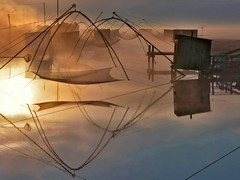 Brume matinale (rogermarcel) Tags: sunset vendée paysage waterscape pêcherie rogermarcel landscape carrelet plaice reflets reflection brume mist