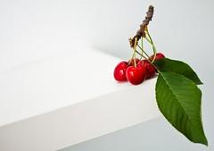 Cherry /Cseresznye (291/365) (pinterpi) Tags: red white green canon project cherry eos 50mm day days 365 f18 pécs piros speedlite zöld fehér cseresznye 450d somló yongnuo yn465 pinterpi