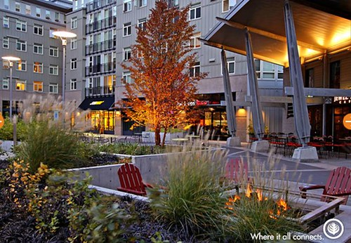 Thornton Place plaza (by: Thornton Place)