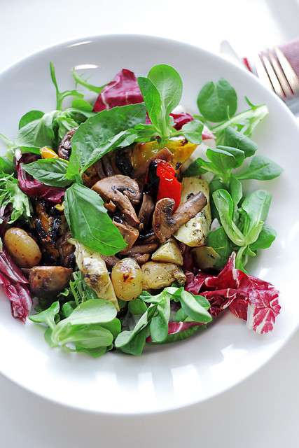Roasted Veggies, Mushrooms and Mixed Leaves