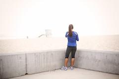 (paul.james.) Tags: california beach canon 50mm losangeles pacificocean southerncalifornia manhattanbeach jogger pauljames 50mm14usm 5dmarkii