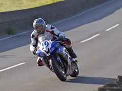 TT 2011 - Scott Wilson (Neil 2013) Tags: sport action olympus racing yamaha isleofman supersport scottwilson motorcycleracing hillberry isleofmantt olympuse520 ttpractice tt2011