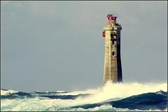 Ouessant, phare de Nividic. (glemoigne) Tags: lighthouse storm brittany surf wave bretagne stormy breizh vague phare navigation bzh tempête finistère ouessant penarbed ushant nividic pharesetbalises glemoigne gilbertlemoigne