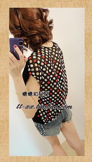 妞子胡同● 独特新款 彩色圆点雪纺拼接口袋短袖T恤 917#