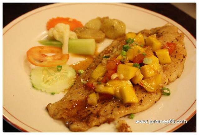 Ama Dessert @ Pan Palace Plaza, Taman Lip Sin - Pan-fried Cajun Spice Fish with Mango Salsa