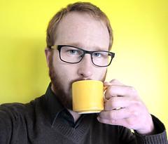 Hum. It's monday. (Mr-Pan) Tags: yellow jaune work gelb montage monday job lundi