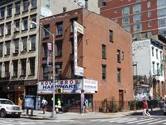 201404259 New York City Chelsea (taigatrommelchen) Tags: street city nyc newyorkcity urban usa ny newyork building shop chelsea manhattan 20140417