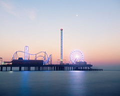 Pier-Sunrise-i (Ray Devlin) Tags: texas lonestarstate gulfofmexico coastaltexas coastal usa america shoreline sea galvestonisland galveston historic pleasure pier galvestonhistoricpleasurepier seaside jetty fairground rides bigwheel silhouette sunrise beach long exposure