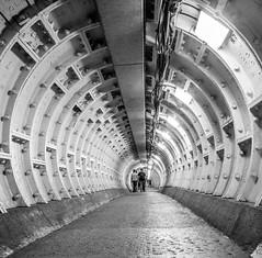Vanishing point (MiguelHax) Tags: monochrome blackwhite whiteblack wb bw london tunnel