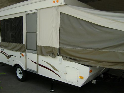 2010 FOLD DOWN FOREST RIVER VIKING CAMPING TRAILER 2407ST