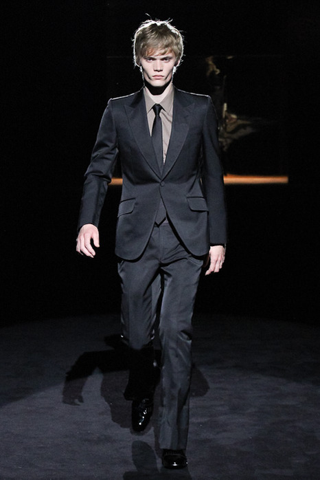 FW11 GUCCI Charity Fashion Show013_Kristians Silis(Fashionsnap)
