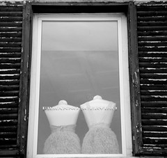 (J.Camelo) Tags: white paris love mannequin window vintage back silence boudoir faceless wi tutu toile