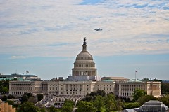 Over the Captiol (Samer Farha) Tags: shuttlediscovery sca capitolhill t38 capitol shuttle nationalairandspacemuseum boeing747100 shuttlecarrieraircraft nasa washingtondc n905na ov103 nationalmall canonef70200mmf28lis welovedc dcist