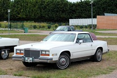 Cadillac Coup Eldorado Biarritz 1980 (seb !!!) Tags: cadillac coup eldorado biarritz 1980 2016 auto automobile automovel automovil automobil canon 1100d cars anciennes ancienne old oldtimers populaire seb france voiture wagen car american america americaine amerique usa us united state photo picture foto image bild imagen imagem beige bege classique classic klassic mantes la jolie festival show toit roof dach techo tetto telhado rouge red rosso rojo vermelho rot blanc blanche white blanco branco bianco weiss