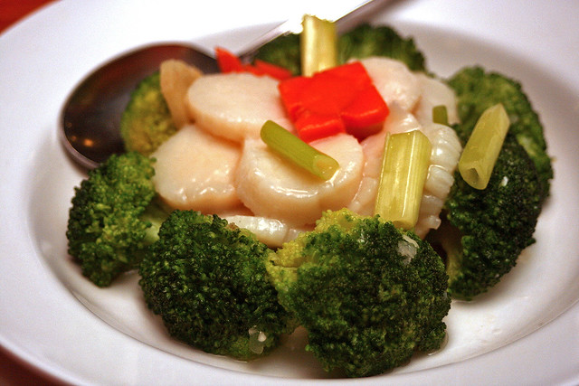 Scallop with broccoli