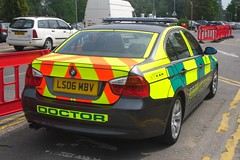 Emergency Doctor / BMW 325i / Rapid Response Car / LS06 MBV (Chris' Transport Pics) Tags: life uk blue light england film car speed hospital lights bars pix fuji threatening united fine 911 blues samsung kingdom ambulance medical health national doctor nhs finepix trust bmw vehicle and fujifilm service hd saving emergency medic paramedic savers 325i 112 rapid siren response unit chelmsford 999 broomfield twos strobes lightbars rrv rotators vluu pl81 pl90 sl630 leds s2750 ls06mbv