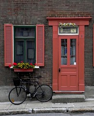 (Explored) (Cna1_10) Tags: door red classic window bike wall architecture cafe ancient pedestrian  qubec