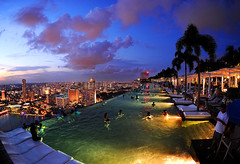 MBS Infinity Pool_9346 (Andrew JK Tan) Tags: pool marina swimming bay twilight singapore infinity sands swimmers infinitypool mbs skypark 2011 level57 yoursingapore gettyimagessingaporeq2 gettyimagessingaporeq3