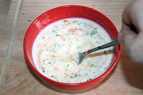 13 - Eier, Milch & Gewürze verrühren