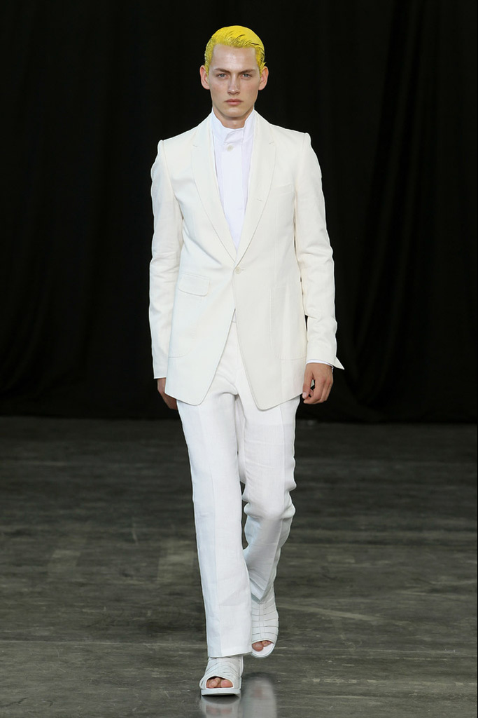 Jakob Hybholt3897_SS12 Paris Songzio(Homme Model)