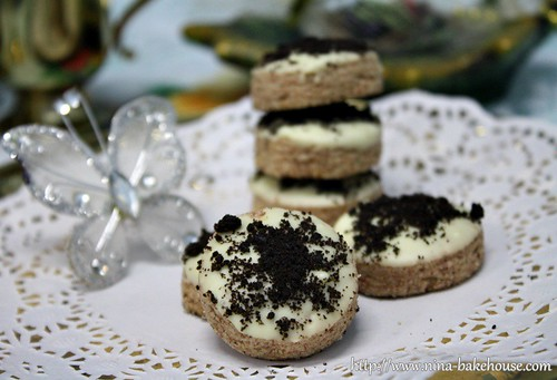 black oreo cookies