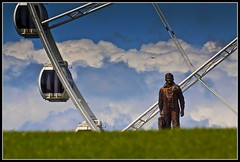 the pilot and the wheel (yadrad) Tags: wheel plymouth devon pilot westcountry plymouthhoe tamron70300 rafmonument thewheelofplymouth