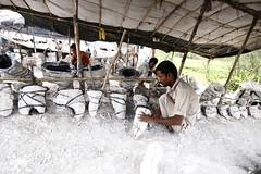 Idol's Story (bmahesh) Tags: people india canon documentary hut idol chennai mahesh manali tamilnadu hardlife photoseries photoessays photodocumentary idolmaker bmahesh roadsidehut rajasdhani