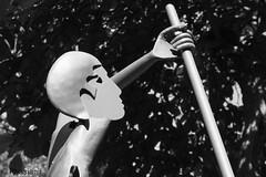 Letzte berfahrt (Phasianii) Tags: olympus omd em10 phasianii urbanus rusticus ruhrgebiet gelsenkirchen buer hauptfriedhof plastik art kunst skulptur cemetry bw sw mono