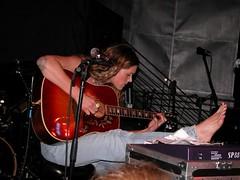 beth hart (all female barefoot musicians) Tags: feet nude stage nackt barefoot füsse bühne barfuss sängerin