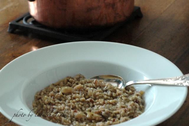 Zuppa di verza e cereali