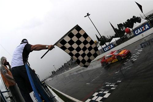 Diego Nunes vence em Curitiba