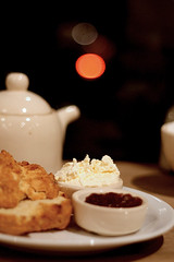 London - tea and scones
