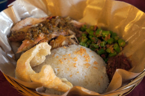 Babi Guling with rice, lawar n sambal (RM16.90)