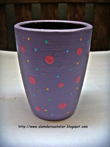 vaso lilás com poás