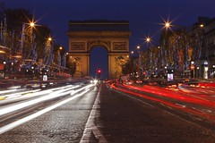 Champs Elysees Christmas illumination (seryani) Tags: christmas street city longexposure light sunset paris france luz night canon champselysees atardecer evening noche town twilight europa europe traffic dusk amor amour lumiere reflejo lighttrails bluehour citycenter francia nuit arcdetriomphe nocturne anochecer nocturnes lightstream christmasillumination noctambule cityoflove streaminglights canoneos5dmarkii 5dmarkii canon70200f28lll cityiflight parischristmasillumination