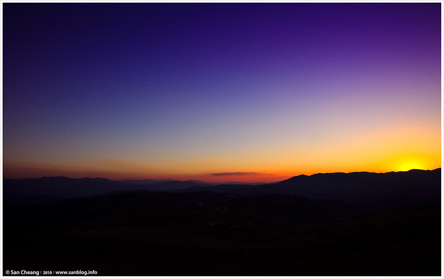 落日紅土地