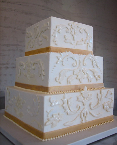 Gold And Ivory Wedding Cakes Ivory And Gold Damask Wedding