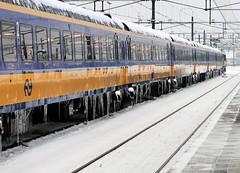 Wintertrein (bogers) Tags: snow netherlands train track ns sneeuw rail railway denhaag railways bogers bkk trein spoor ov openbaarvervoer nederlandsespoorwegen 20101219 detailns portfoliobasbogers