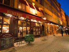 Rue Merciere, Lyon (AlexAnnecy) Tags: light sunset night dawn restaurant warm lyon olympus intimate nightfall ep1 918mm