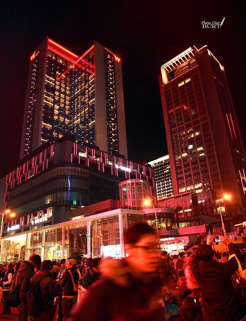 2011跨年夜_市政府站前的人群