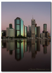 Reflection II (danishpm) Tags: reflection green sunrise canon landscape australia wideangle brisbane qld aussie aus 1020mm brisbaneriver highrises manfrotto kangaroopoint sigmalens eos450d 450d sorenmartensen
