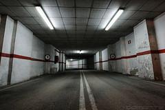 """""""Garaje"""" (""""Garage"""") (Domonte Design) Tags: garage tunnel tunel hdr highdynamicrange garaje garagem cochera tunela cocheira garatge altorangodinamico domonte garahz"""