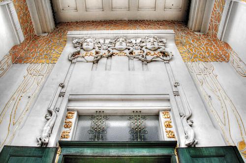Secession building frieze, by Klimt. Vienna. El friso del edificio Secesión, de Klimt. Viena