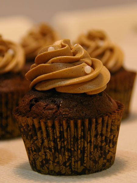 chocolate & buttermilk cupcakes