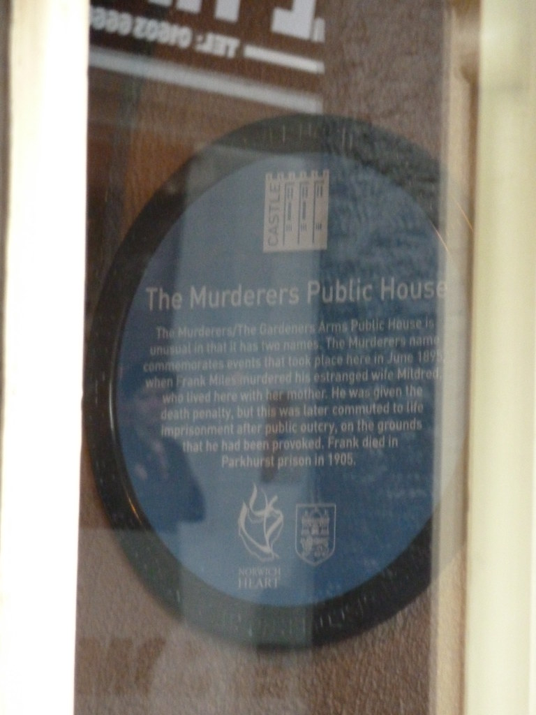 Photo of The Murderers, Norwich, Mildred Miles, and Frank Miles blue plaque