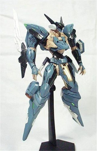 Revoltech-Zone-Of-Enders-Jehuty-03_1295134737 400x623