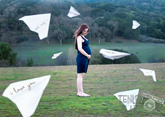 "Week 20: I said ""I love you"" on a paper plane (*Tiny Dancer*) Tags: maternity paperplane selfportrait week20 pregnant pregnancy paperplanes"