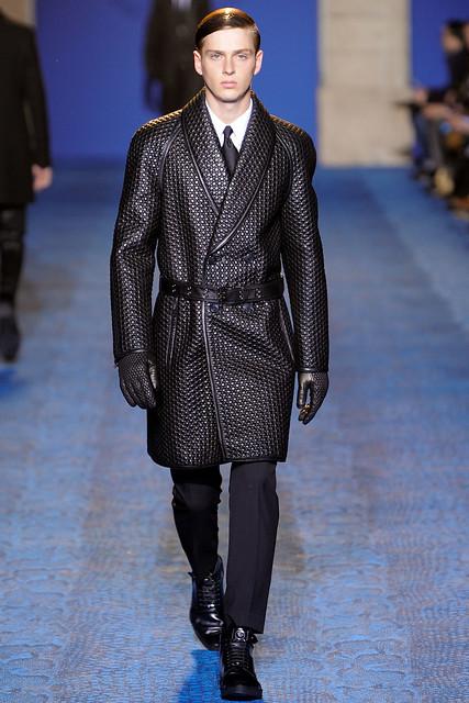 FW11_Milan_Versace003_Lucas Mascarini(VOGUEcom)