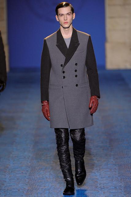 FW11_Milan_Versace011_Filip Grudzewski(VOGUEcom)
